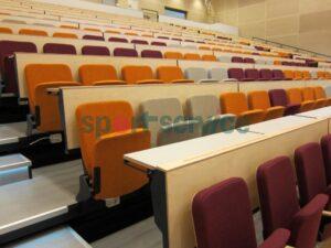 laudadega-auditooriumi-tribuun