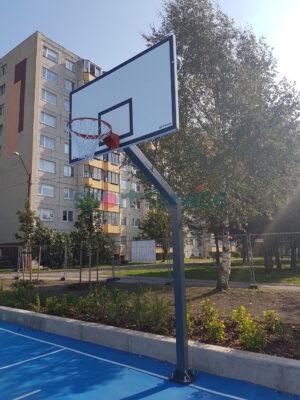 Korvpalli välikonstruktsioon suure korvpallilauaga